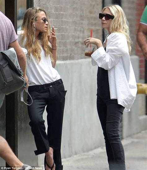 Ashley Olsen Has Hearttoheart Chat With Sister Marykate