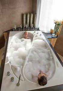 Badewanne Für Zwei Personen : freistehende badewanne blickfang und luxus im badezimmer ~ Sanjose-hotels-ca.com Haus und Dekorationen