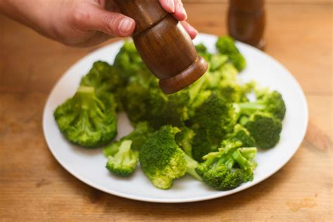 how to steam broccoli 3 ways to steam broccoli without a steamer wikihow