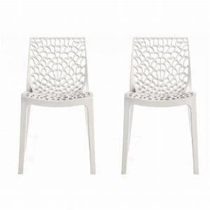 Chaise Design Blanche : lot de 2 chaises design blanche gruyer achat vente chaise polypropylene cdiscount ~ Teatrodelosmanantiales.com Idées de Décoration