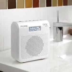 radio badezimmer one mini tragbares radio dab dab ukw tuner 1 6 watt rms schwarz de audio hifi