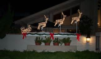 christmas decorating ideas for your backyard deck outdoortheme com