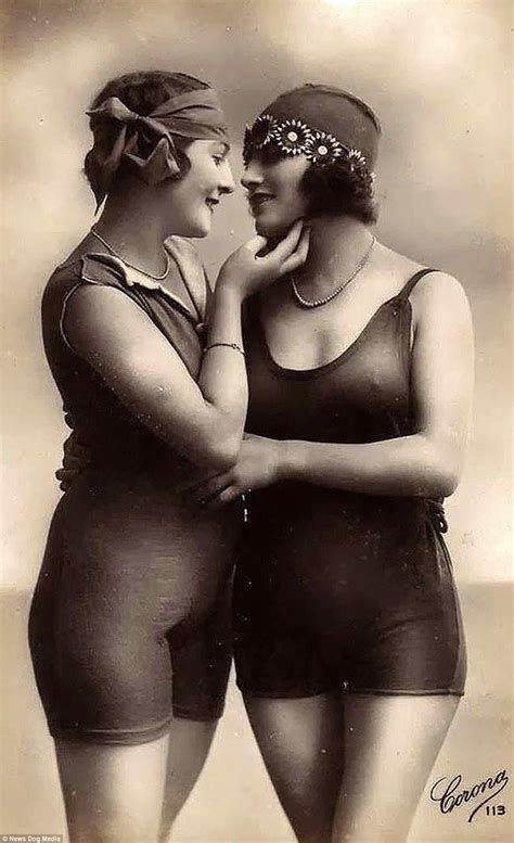 Th And Thcentury Lesbian Women Captured In Images