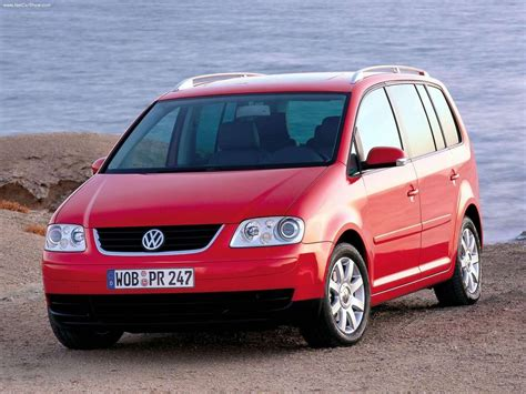 siege sharan occasion volkswagen touran i la voiture 7 places d 39 occasion qui a