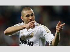 Adidas and Karim Benzema message fans using Twitter's