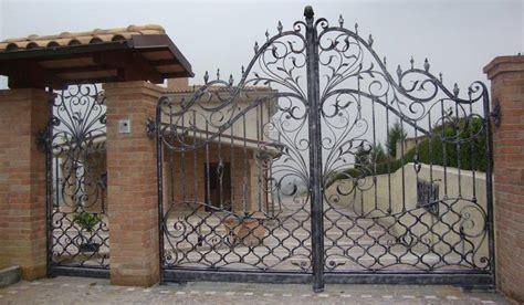 prix portail fer forgé fabricant portail portillon grille cl 244 ture en fer