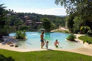Plage immergee pour creer une piscine unique ou atypique for Piscine forme libre avec plage 3 plage immergee et piscine diffazur piscines