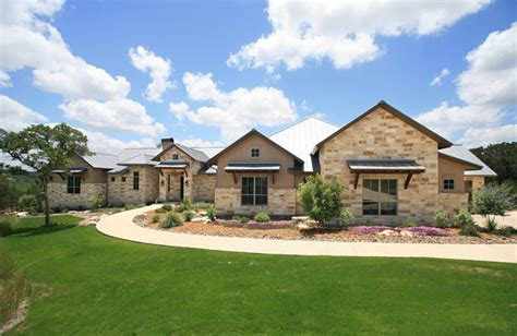 inspiring hill country homes photo hill country home outdoor living landscape ideas