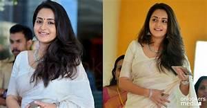 Bhama Stills-Photos-Latest Photoshoot-Malayalam Actress