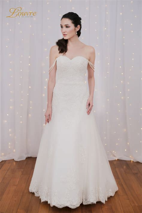 bridal dress rental  airy lightweight wedding dresses