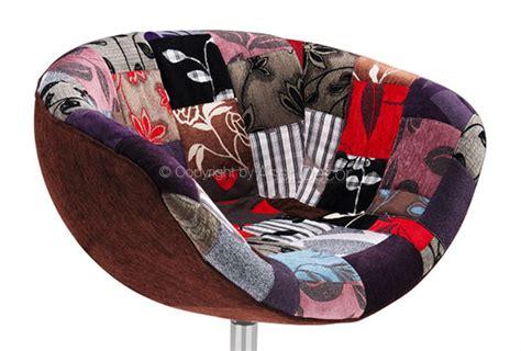 Poltrona Rilimaru Patchwork Vermelho Design Sala