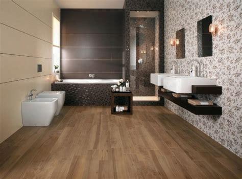 badezimmer ideen braun badezimmer bodenfliesen holzoptik