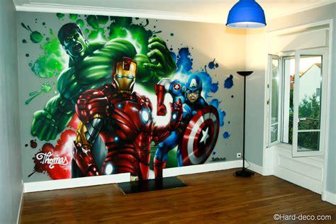 fresque chambre b fresque marvel réalisée dans la chambre de
