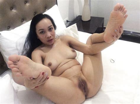 2hornypussy4u asian milf porn pics