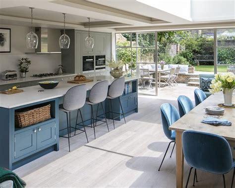 cuisine bleu clair 1001 idées pour aménager une cuisine ouverte dans l 39 air du temps