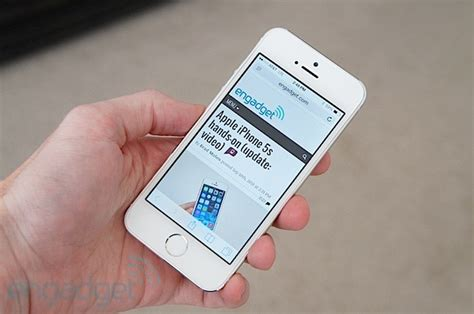 iphone 5s boost mobile iphone 5s and 5c coming to boost mobile on november 8th