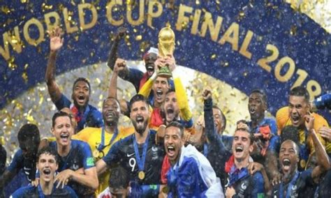 Équipe de france de football). كارتيرون: منتخب فرنسا استحق التتويج بالمونديال | كورة وملاعب | الموجز