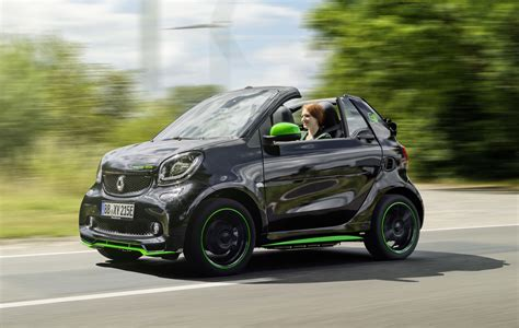 Electric Drive Car by Tesla Version 8 0 Software 2018 Smart Fortwo Electric
