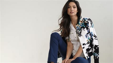 This company is making stylish scrubs so doctors and ...