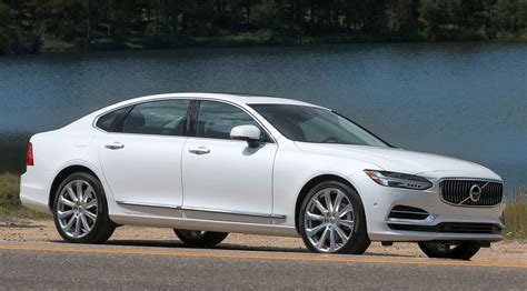 Review Volvo's 2018 Lineup Brings Style And 400hp Hybrid