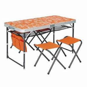 Table Pliante Avec Chaise : tables de camping trigano trigano ~ Teatrodelosmanantiales.com Idées de Décoration