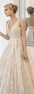 Top 20 vintage wedding dresses for 2016 brides for Classic lace wedding dresses