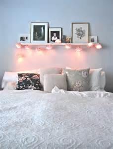 wanddeko schlafzimmer la deco chambre romantique 65 idées originales archzine fr