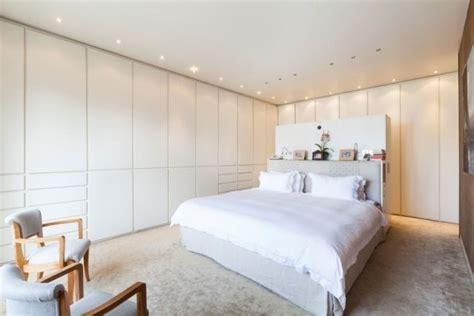 Das Ankleidezimmer Moderne Wohnideenankleideraum In Weiss by Schlafzimmer Modern Gestalten Einbauschr 228 Nke Wei 223