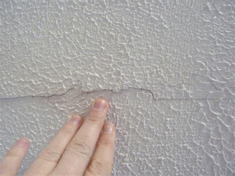 textured ceilingghostingceiling crack painting diy