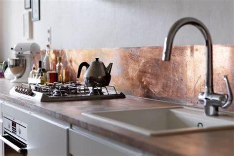 trendy metal kitchen backsplashes   digsdigs
