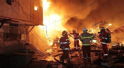 Voraz Incendio Consumió Cientos De Viviendas De Comunidad