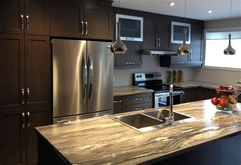 cuisine en polyester avec comptoir stratifi 233 armoires 224 prix 514 522 5562 5500 rue