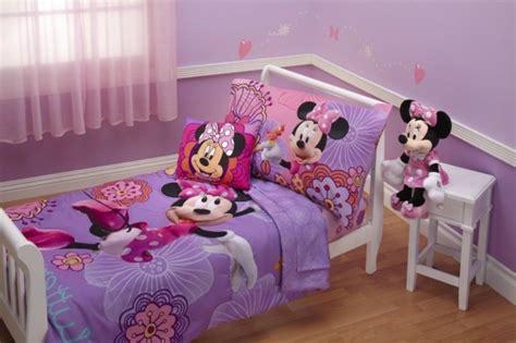 chambre mickey mouse rideaux chambre fille qui font la différence archzine fr