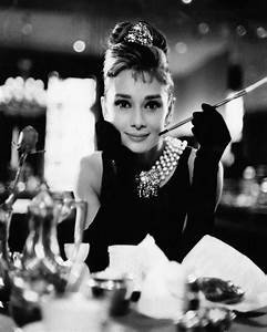 Audrey Hepburn Poster : audrey hepburn breakfast at tiffanys black white print photo picture a4 ebay ~ Eleganceandgraceweddings.com Haus und Dekorationen