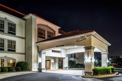 comfort inn and suites ga comfort inn suites airport