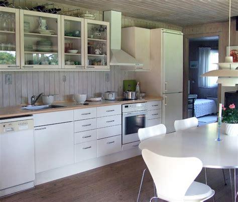 kitchen design white appliances deciding between black white or stainless steel kitchen 4604