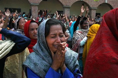 christian woman  pakistan kidnapped forced  marry