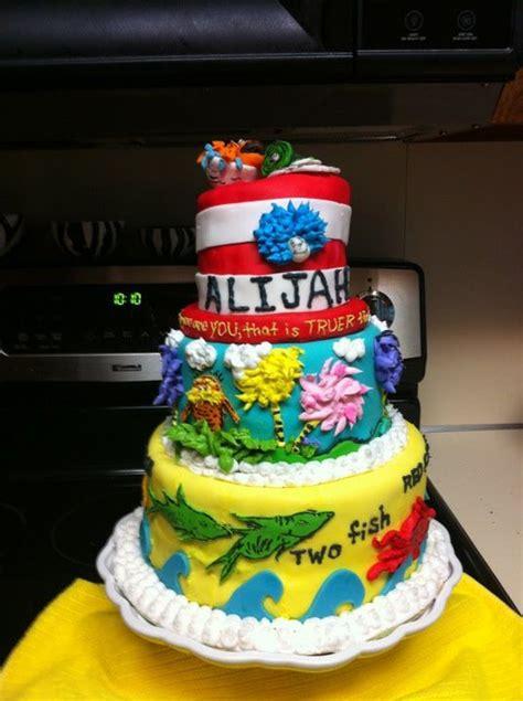dr seuss themed cake covered  fondant  fish