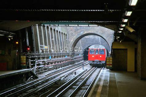 london underground train wallpaper mural wallsauce uk