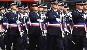 Uniforme Police Nationale : les naufrag s de la police nationale streetpress ~ Maxctalentgroup.com Avis de Voitures