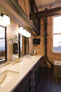 Salle De Bain Loft : loft renove mur briques apparentes parquet salle bains ~ Dailycaller-alerts.com Idées de Décoration