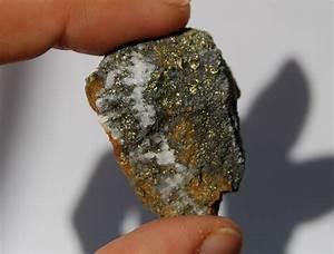 Gold ore, gold in quartz, item #D104 – Rocks and Minerals ...
