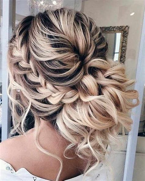 30 Stunning Prom Hair For Long Hair 2019 Hairstyle Samples