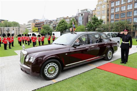 Queen Elizabeth's Custom Bentley!?!