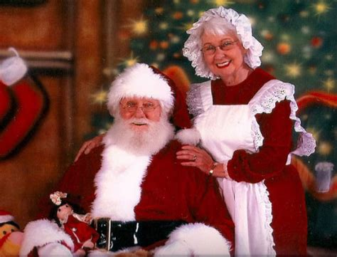 meet santa mrs claus trent hills library