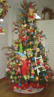 tropical christmas tree decorating