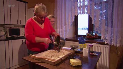 cuisines des terroirs documentaire quot c est pas sorcier cacao et chocolat quot en