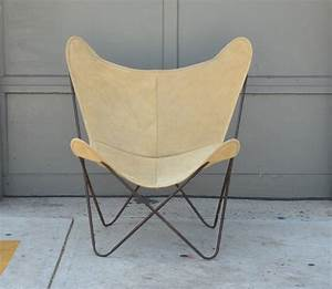 Hardoy Butterfly Chair : pair of original vintage hardoy butterfly chairs in suede at 1stdibs ~ Sanjose-hotels-ca.com Haus und Dekorationen