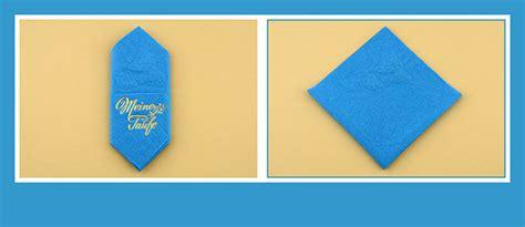 papierservietten falten bestecktasche papierservietten falten zur taufe beschriftet