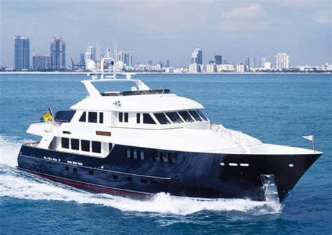 Motor Boat Homes by Yacht Top Times Burger Boat Company Charterworld Luxury